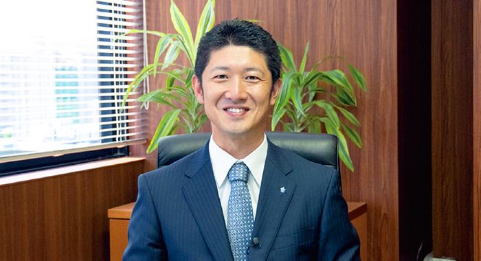 代表取締役社長 上村 英輔