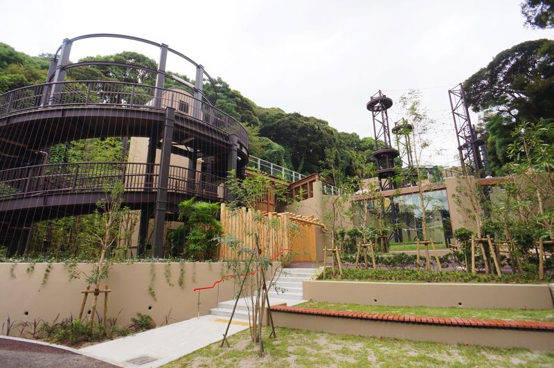 福岡市動植物園オランウータン舎