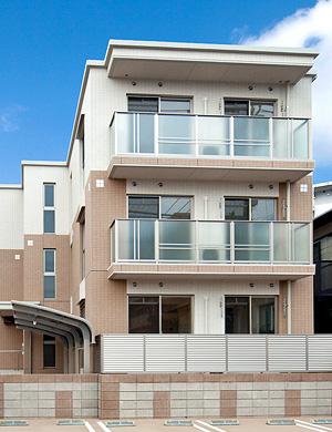 上村建設の提案は部屋数が他社案の1.5倍で、駐車場も全戸分取れました(from第310号)