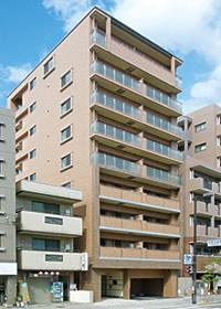 最上階に自宅を配し、入居者はもちろん自分たちにとっても快適な住空間を目指しています。(from第256号)